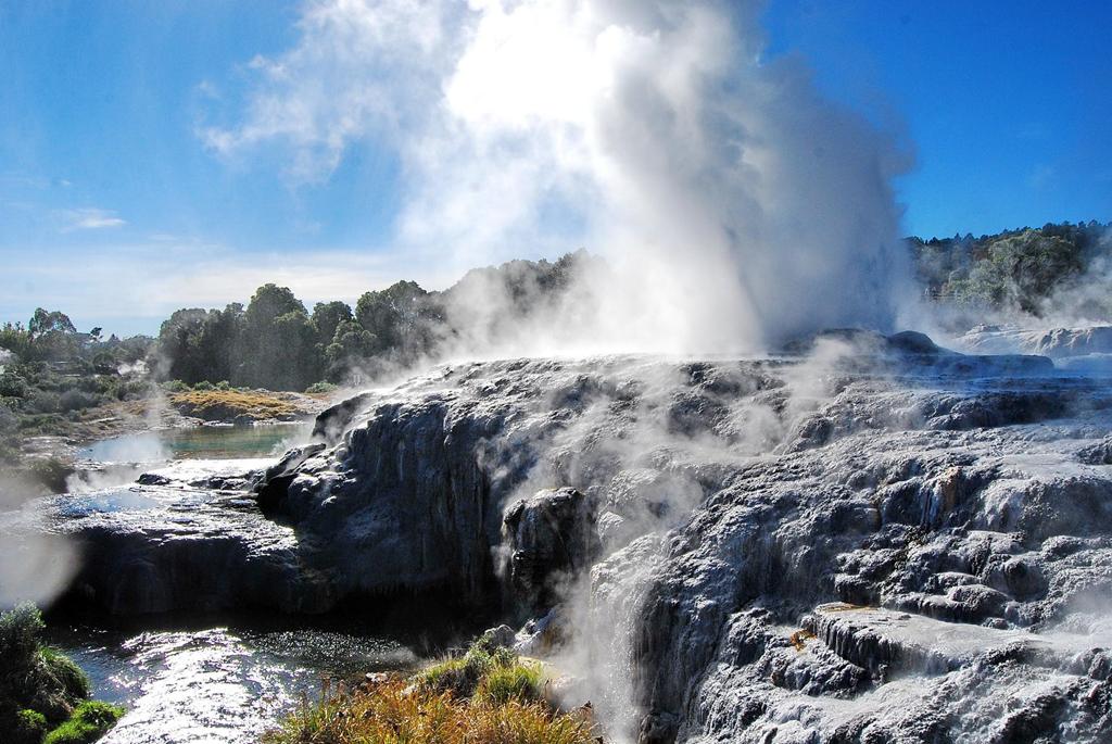 火山地热喷泉